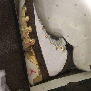Jordan 9 mop Melo   Size 10 men's.  Brand new $380
